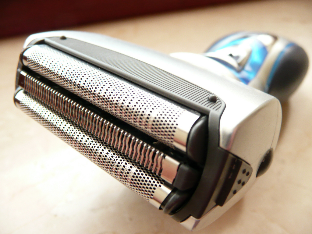 5 Benefits of Using an Electric Shaver