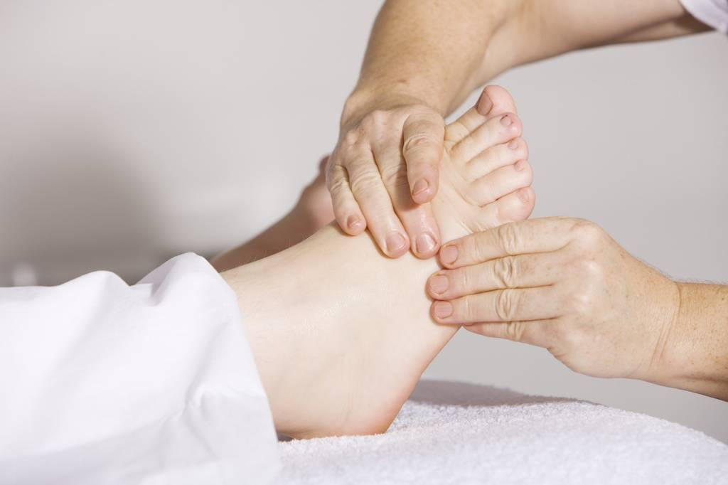 7 Effective Ways of Relieving Diabetic Foot Pain