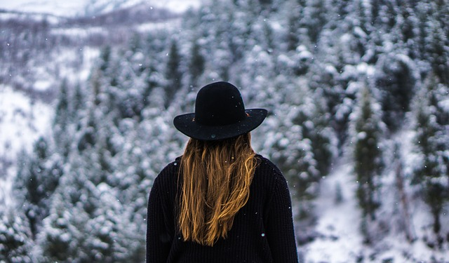6 Tips to Fight Dull Frizzy Hair in Winter